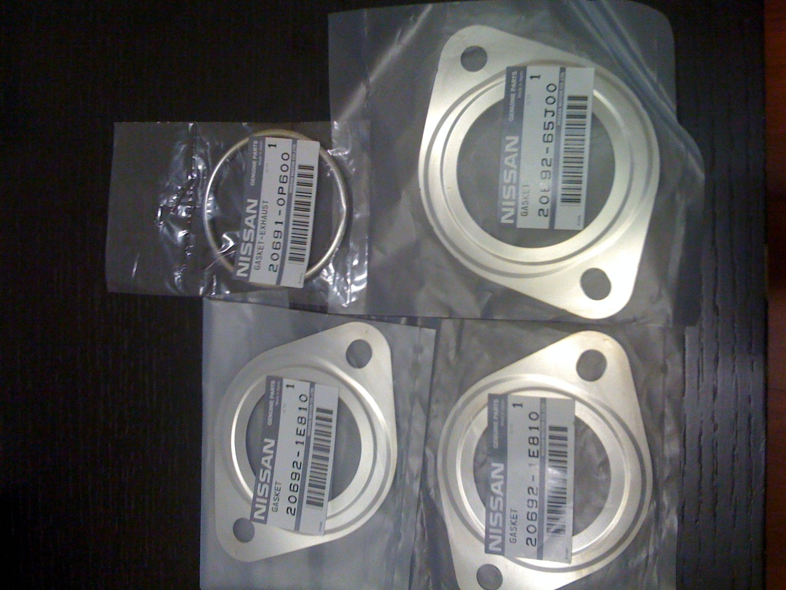 Set of Genuine Nisaan 350z exhaust gaskets - Nissan 350Z Forum